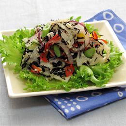 たっぷり野菜とキヌアのひじきサラダ