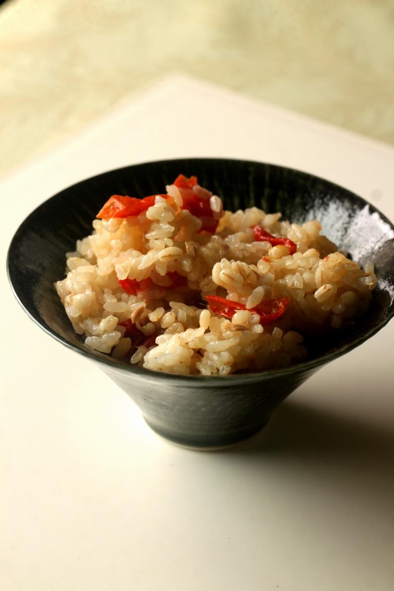 ツナとミニトマトの炊き込みご飯