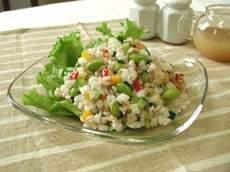 大麦とカラフル野菜のサラダ