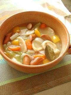 カラフル野菜のすいとんポトフ