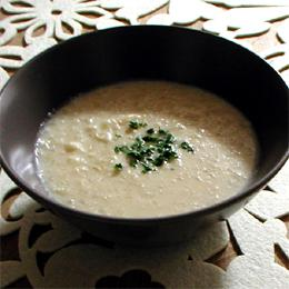 カリフラワーと雑穀の豆乳スープ