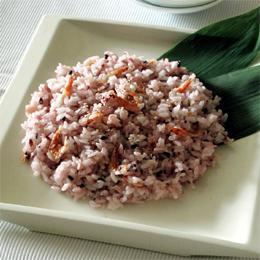 黒米とさくら海老の混ぜ寿司