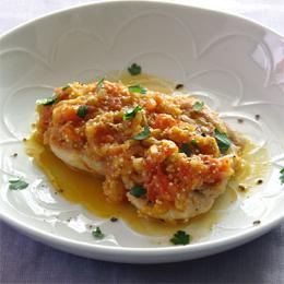 キヌアとチキンのフレッシュトマト煮